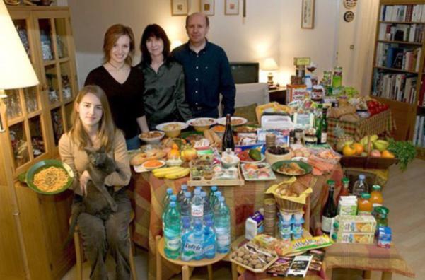 France : la famille Moines. 315€ pour deux adultes et deux ados.