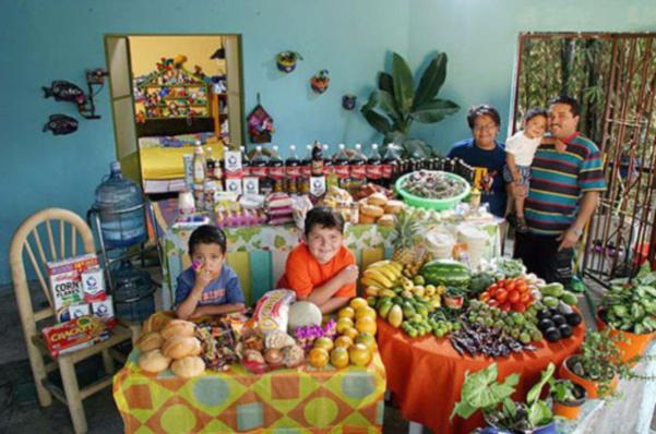 Mexique : la famille Casales. 189€ pour deux adultes et trois enfants.