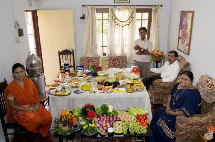 Inde : la famille Patkars. 34€ pour quatre adultes.