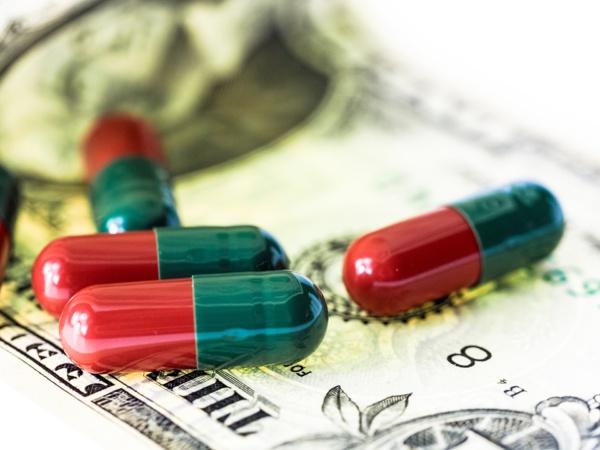Qui décide du prix des médicaments en France?