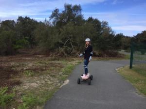 J'ai testé pour vous le skate électrique proposé par iZi RIDER (c) Jonas L'Hénoret