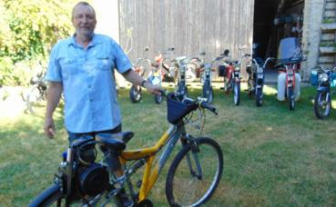 L'inventeur ardennais a prévu de construire un autre vélo à moteur dans le futur. Photo: Gaétan Arnould