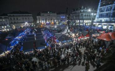 Le Marché de Noël sur la place du Ralliement. Photo courtoisie (c) Mairie d'Angers