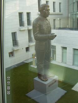 Une statue très officielle de Staline (photo Colette Dehalle)