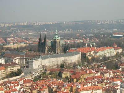 Vienne achète la Bourse de Prague (wikipedia.org)