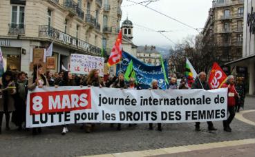Manifestants place Grenette à Grenoble. Photo © Anaïs Mariotti