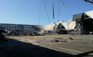 La destruction totale du bâtiment devrait s'achever d'ici début mai 2017. Photo (c) Julie Cartelier