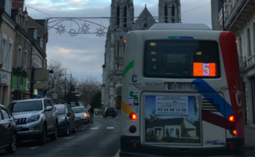"Bus ""Horizon"" de Châteauroux, arrêt St Luc. Photo (c) Gaspard Claude"