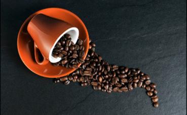 Seconde matière première la plus commercialisée dans le monde, le café est aujourd'hui plus que jamais le grain d'une guerre économique. Image du domaine public.
