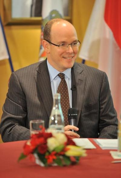 Le Prince Albert II lors de l'annonce de son voyage, au Press Club de Monaco. Photo (c) Charly Gallo CDP