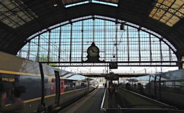 La gare de Bordeaux Saint-Jean. Photo (c) David McKelvey
