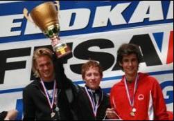 L'équipage victorieux de l'IU Monaco (de g. à d.) : T. Scharpf, J. Picard et L. Tollota Leclerc.© DR