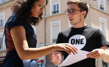 Soukaïna Larabi répond à l'appel de l'ONG One. Photo (c) Anaïs Mariotti