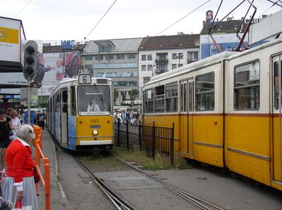 Moszkva tér et le tramway 6 à Budapest