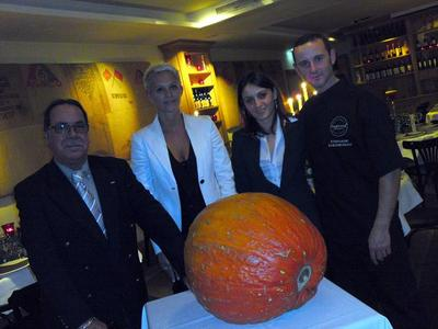 Jean-Marie Rizza, Christelle Charron, Giovanna Rapali, Stéphane Cheneveau. Photo (c) Eva Esztergar