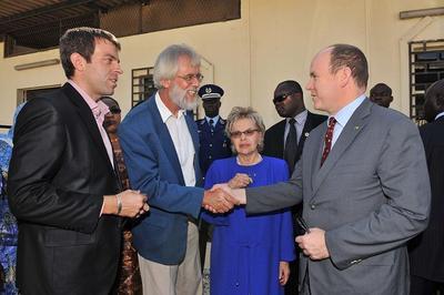 Visite du Labo Fondation Agir pour l'éducation et la santé avec Mme Wade (c) Gaëtan Luci / Palais Princier