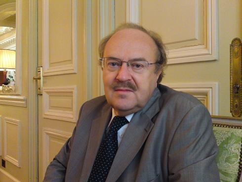 WHO'S WHO: FREDERIC LAURENT