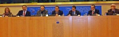 De gauche à droite : Silvia Porzio Le Goff, Franco Po, Lorenzo Consoli, Gianni Pittella, Franco Siddi, Paolo A. Valenti, Giancarlo Tartaglia.