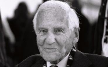Jean d'Ormesson. Photo (c) S. Veyrié. Cliquez ici pour accéder à la page auteur de l'écrivain