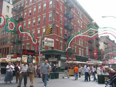 Fête annuelle de San Gennaro dans le quartier à New York © Dschwen le 8 septembre 2004