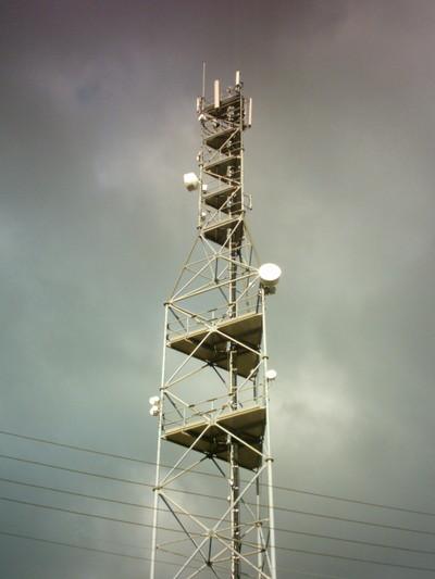 Ces antennes relais qui sèment la discorde entre le gouvernement et les communes