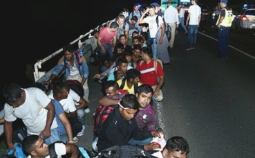 Migrants en Hongrie. Photo (c) Gémes Sándor / SzomSzed
