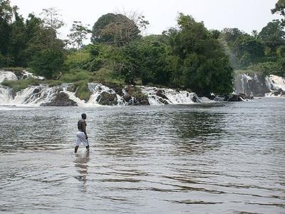 Le Cameroun : un pays qui possède le deuxième potentiel hydraulique du continent, après la République démocratique du Congo (photo wikipedia common, Ophelio13)