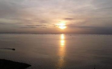 La baie de Manille au coucher de soleil. Photo prise par l'auteur.