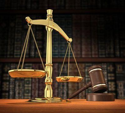 Le 10 février 2010, 25 magistrats béninois ont été révoqués pour des malversations portant sur 6 millions d'euros