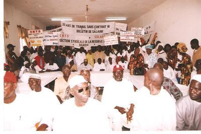 Cérémonie de réception du cahier de doléances du CNTS à la Gouvernance de Thiès (C) Elhadji Babacar MBENGUE
