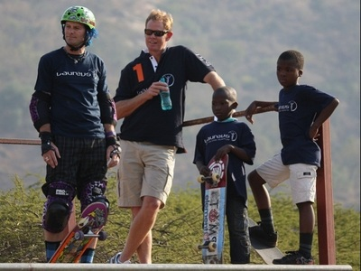 South African Cricket Captain Shaun Pollock with the Laureus supported Indigo Youth Movement in Isithumba, Durban, after presenting a portable half-pipe to the project. Photo (c) Laureus