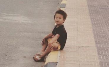 L'enfant seul dans la rue. Photo (c) Fatiha Zeroual