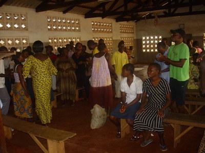 Les séances de prière et de louanges à la Chapelle du Centre sont un véritable moment de communion.