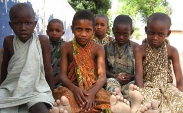 Enfants talibés. Photo (c) Barry Pousman