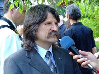 Photo (c) Csanády