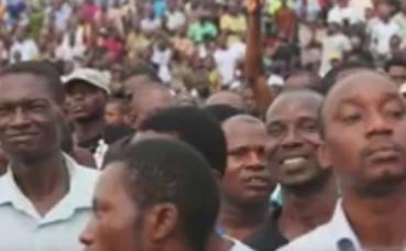 Marche de la jeunesse au Nigeria. Photo prise par Armelle Nga