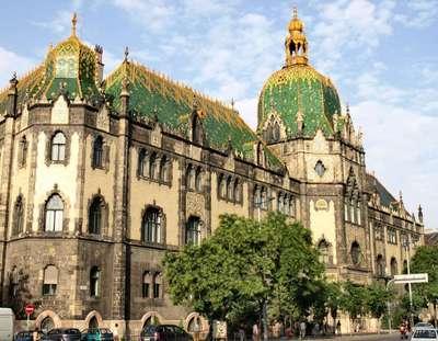 Musée des Arts décoratifs à Budapest (c) Misibacsi, le 2 mai 2007