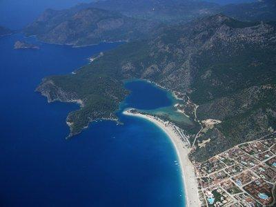 Baie d'Ölüdeniz sur la côte turque. Photo de Dan Taylor