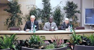 De gauche à droite: Didier Migaud, Boureima Pierre Nebié et James Charrier. Photo (c) Eva Esztergar