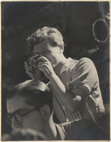 Gerda Taro, photo anonyme prise en juillet 1937