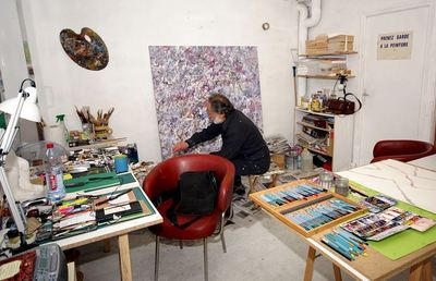 Claude Rosticher dans son atelier. Photo courtoisie