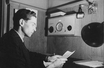 Genève, 1945. Radio-Intercroixrouge, qui diffusa notamment des noms de prisonniers libérés à la fin du conflit mondial. ©CICR/V. Bouverat/v-p-hist-e-02913