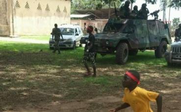 Mobilisation des villageois de Niafrang en Casamance contre l'exploitation du zircon, le 26 juillet 2018. Photo (c) Abdou Sané.