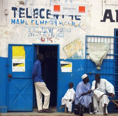 Télécentre à Yoff, au Sénégal. Photo (c) Manuele Zunelli