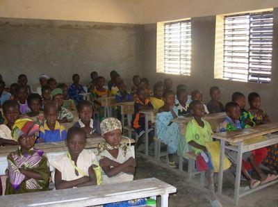 Au Bénin, le recours au châtiment corporel à l'école ne fait pas l'unanimité... (crédit Polycarpe TOVIHO)