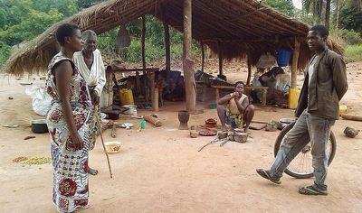 Village congolais après le passage de LRA (c) UNHCR