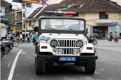 La police vietnamienne de Dalat (c) Fabrice Romea