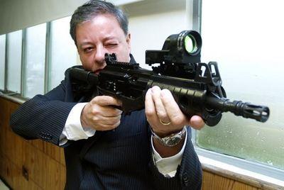 Essais d'arme (c) Entrega Fusil Galil