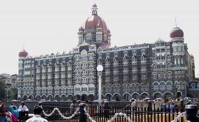 Old Taj Hotel Mumbai (c) Milzee