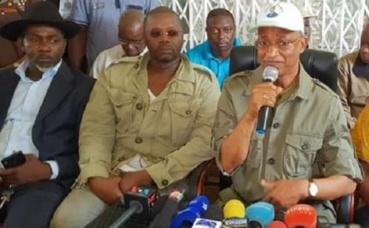 Conférence de presse de l'opposition républicaine, sur les trois jeunes tués à Wanindara. Photo prise par l'auteur